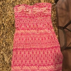 Patterned ruffle dress very flattering-boutique